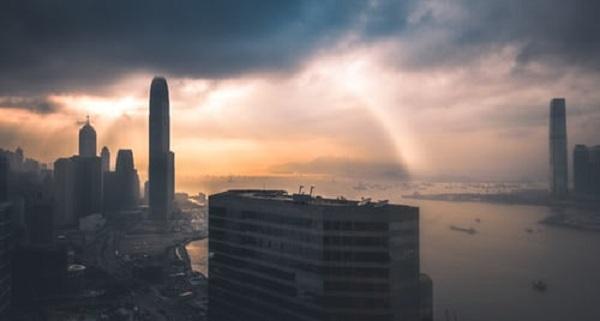 在深圳怎么注册香港公司呢?